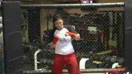 Gina Carano тренира