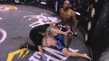 Christian M'Pumbu's 'vicious' beatdown of Richard Hale at Bellator 45