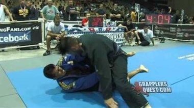 Mick Mannello срещу Uilton Dias
