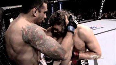 Подбрани моменти от UFC 143