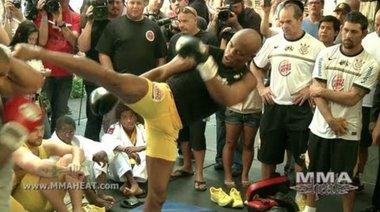 Отворена тренировка на Anderson Silva преди UFC 148