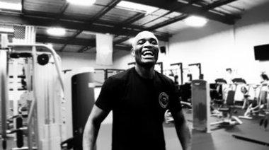 Anderson Silva тренира и се забавлява преди UFC 168
