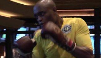Отворена тренировка преди UFC 183