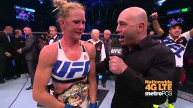 Holly Holm веднага след победата над Rousey