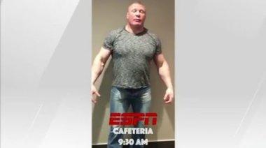 Brock Lesnar заработи в заведение за бързо хранене