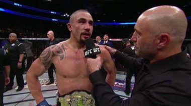 Robert Whittaker и Michael Bisping си разменят любезности