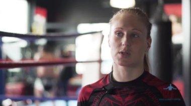 Анита Доганова преди ММА битката ѝ в MAX FIGHT 42