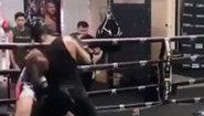 Канело прави спаринг с боксьор от тежката категория