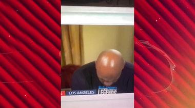 Тайсън придремва по време на интервю