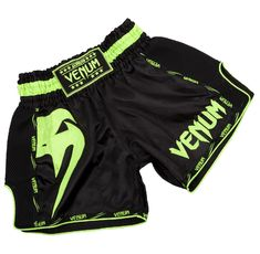 Муай Тай Шорти - Venum Giant Muay Thai Shorts- Black/Neo Yellow