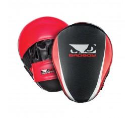 Боксови Лапи - BAD BOY TRAINING SERIES 2.0 FOCUS MITTS / RED Tреньорски аксесоари