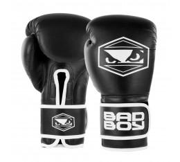 Боксови Ръкавици - BAD BOY STRIKE BOXING GLOVES / BLACK Боксови ръкавици