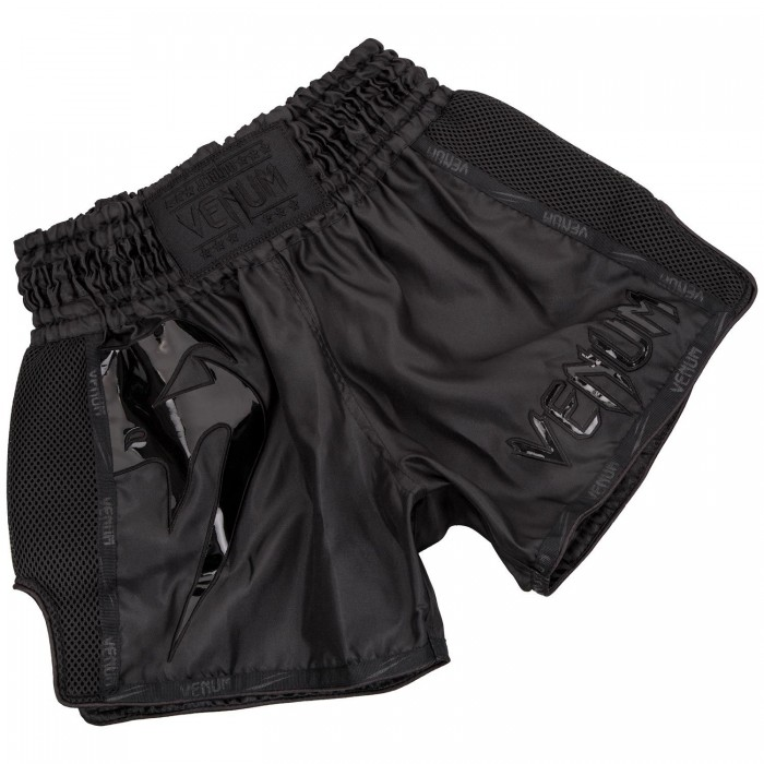 Муай Тай Шорти - Venum Giant Muay Thai Shorts - Black/Black​